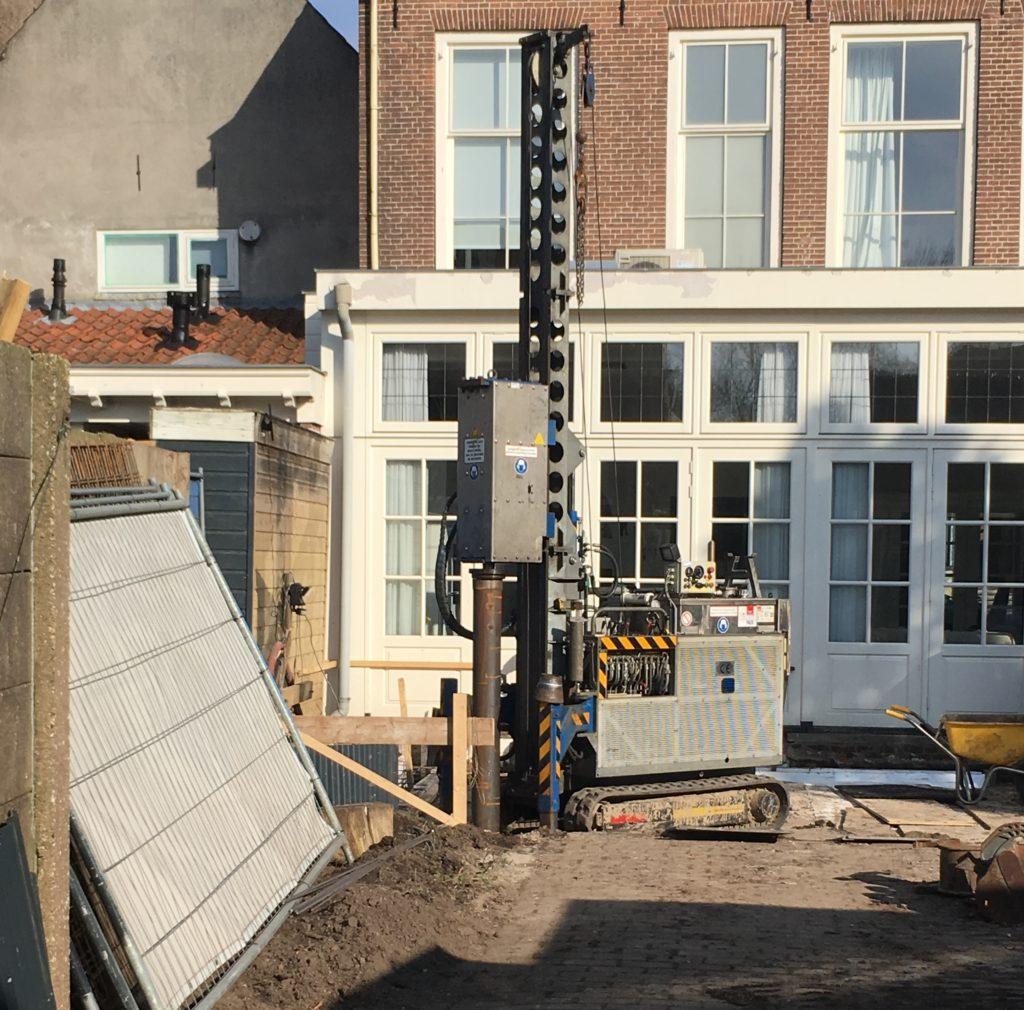 Onderheid Friesland terras bestraten door Zieleman Heiwerken